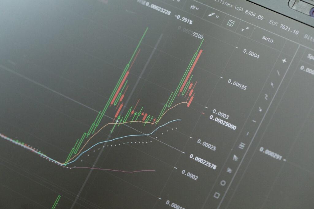 バイナリーオプションで借金を負ってしまった際の債務整理の方法を解説